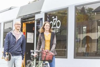 Mit dem Fahrrad und dem Zug die Region entdecken.