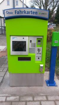 1. vlexx Fahrkartenautomat steht in Saulheim