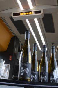 """""""Rollende Weinprobe"""": Jungwinzer erfreut Fahrgäste im Elsass-Express"""